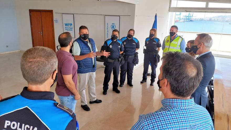 Siete nuevos policías portuarios patrullan los muelles de La Luz