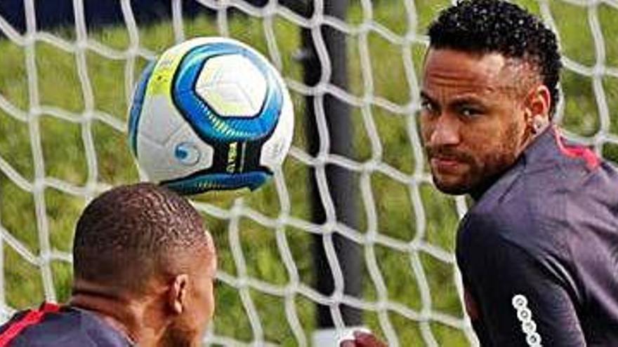 El PSG reconeix que la negociació per la marxa de Neymar està avançada