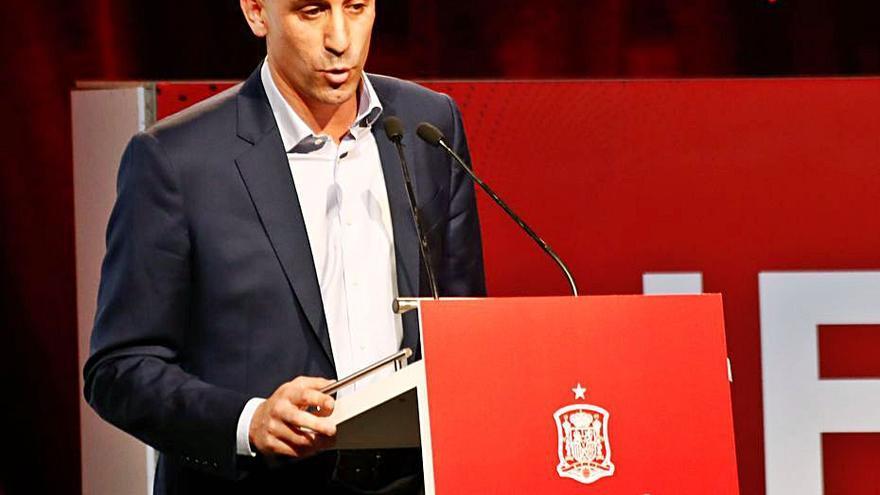 Rubiales, imputado por amenazas a los clubes de la Liga Iberdrola por los derechos de TV