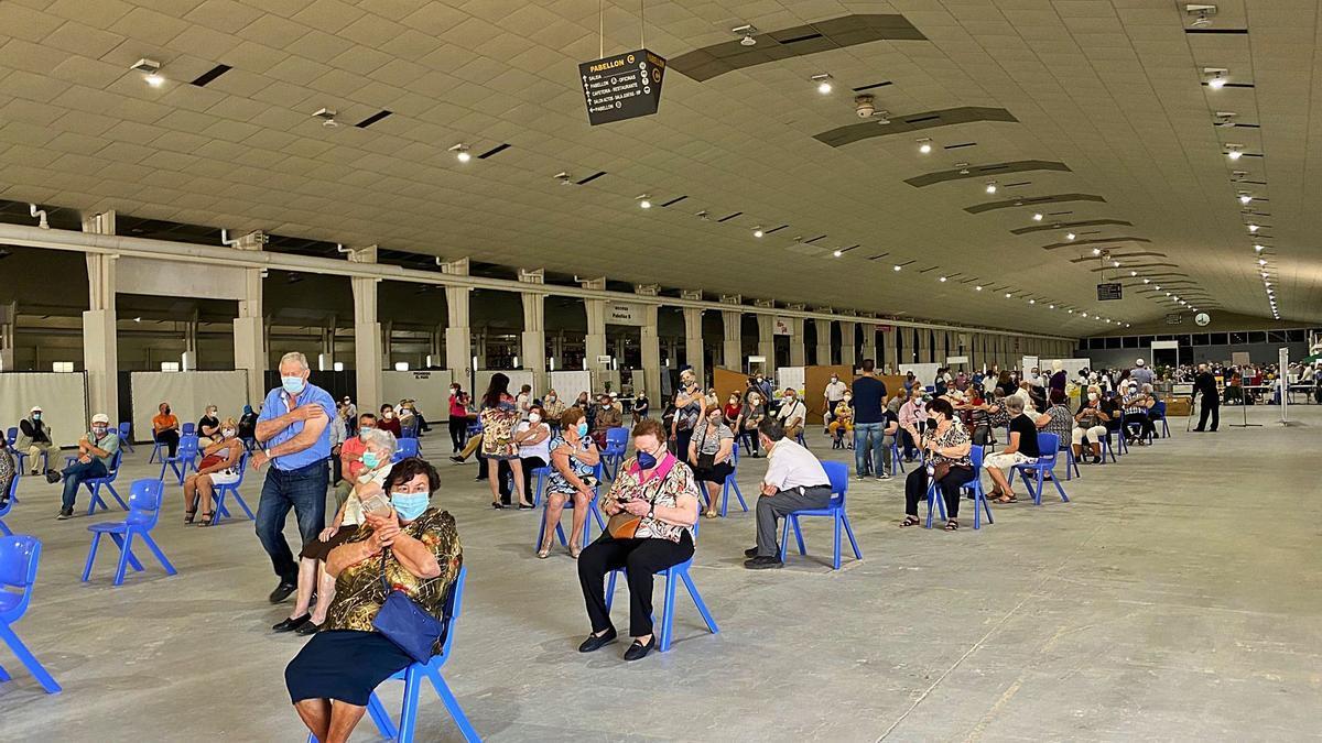 Vacunación masiva ayer, enel recinto ferial Ifepa, deTorre Pacheco.