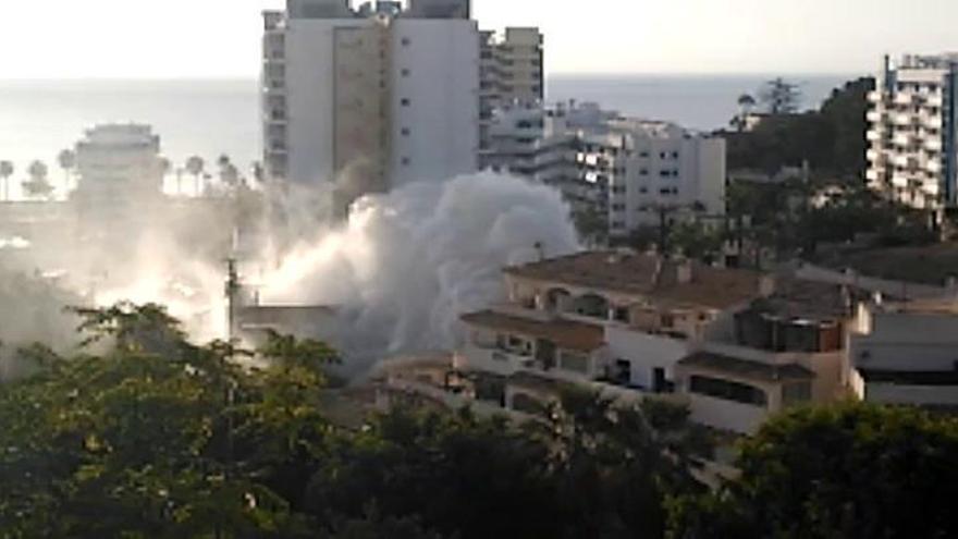 Una fuga de agua inunda un hotel en Benalmádena