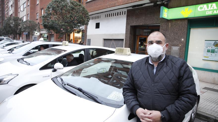 """Los taxistas piden """"flexibilidad"""" para ampliar y cambiar las paradas"""