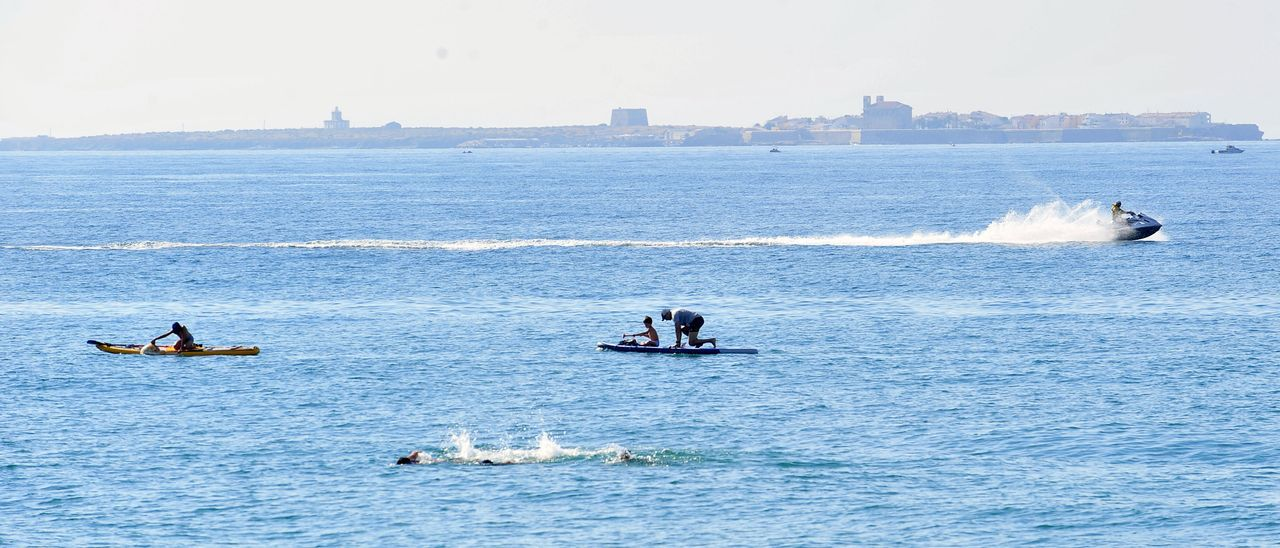 Deportes acuáticos en Santa Pola durante el pasado verano