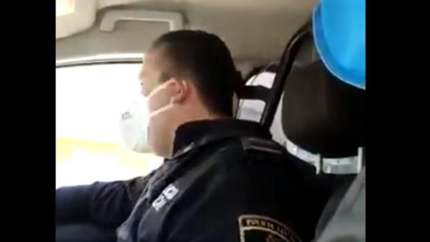 Detingut per un delicte d'odi el policia de Benidorm que va vexar una transsexual