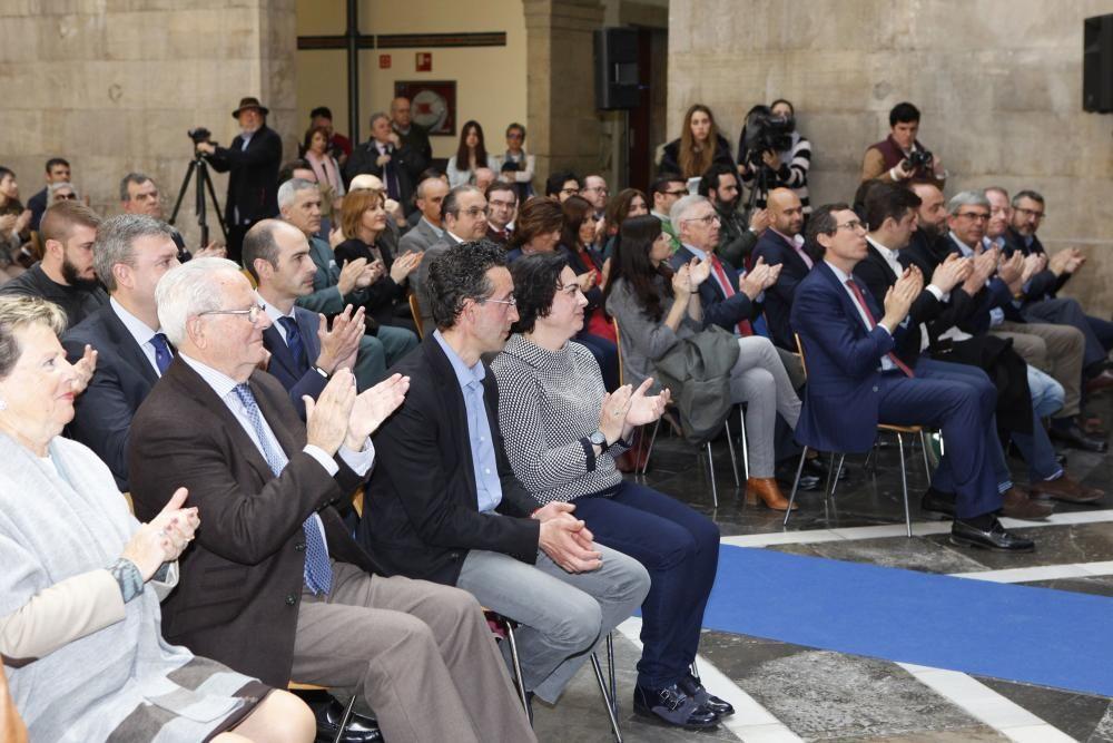 Cadena SER Gijón otorga el premio Gijón Ciudad Abierta a la asociación Una ciudad para todos, en el Antiguo Instituto