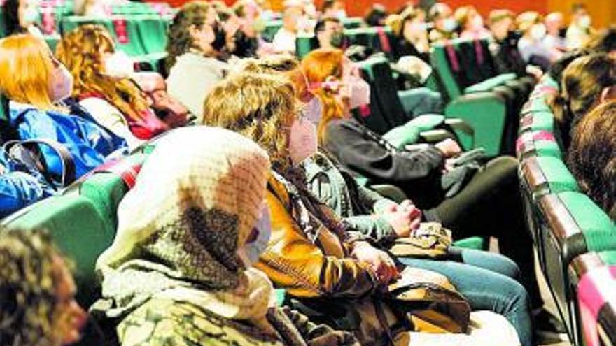 Las charlas motivacionales abren el Foro de empleo de Alcàsser