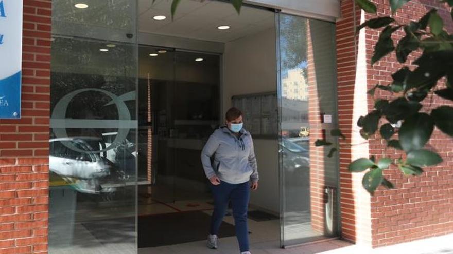 Detectan un brote masivo con 73 positivos en una residencia de València