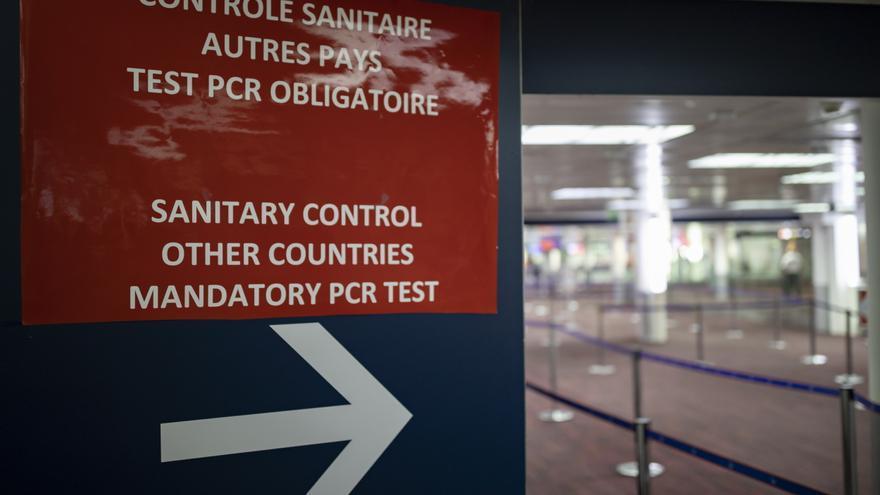 Francia exigirá test de menos de 24 horas a los no vacunados que lleguen desde España