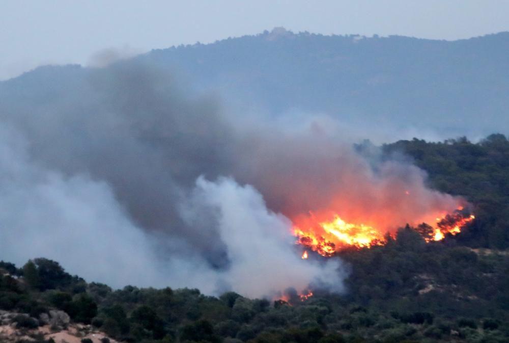 El incendio de Ribera d'Ebre (Tarragona) afecta ...