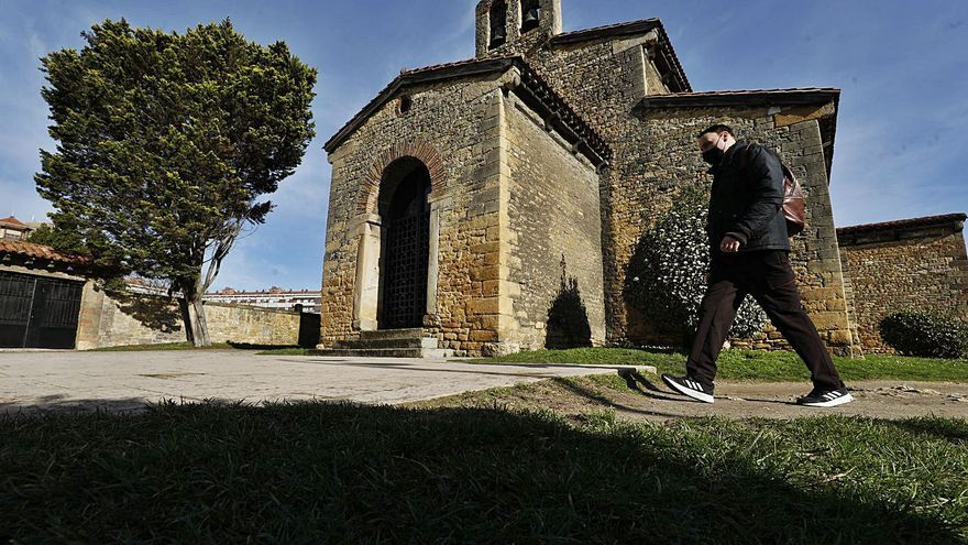 Los expertos defienden revocar Santullano para preservar las pinturas