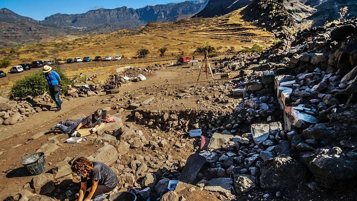 Excavaciones en el yacimiento de La Fortaleza.     JOSÉ CARLOS GUERRA