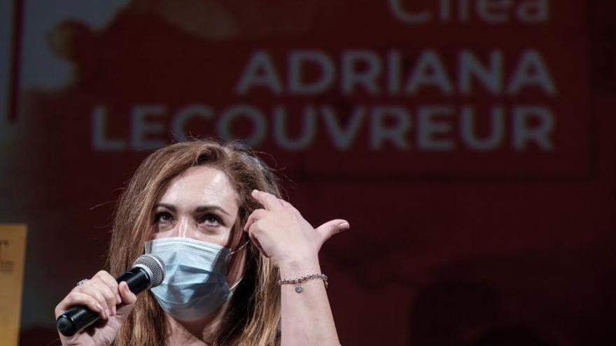 La ópera 'Adriana Lecouvreur' vuelve al Alfredo Kraus,  sin pausa ni abrazos