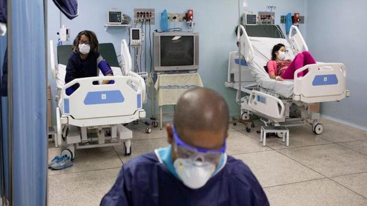 Venezuela acondiciona un polideportivo como hospital para covid-19