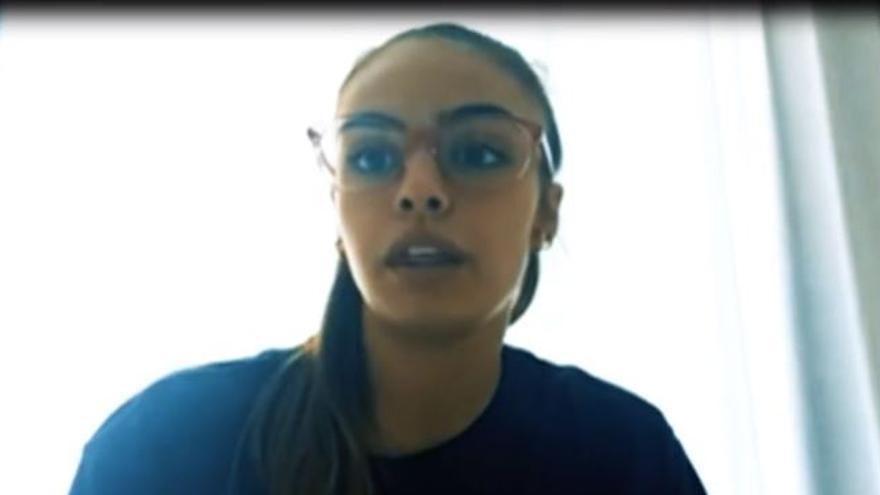 Una jugadora alicantina de baloncesto profesional, tan valiente como Simone Biles