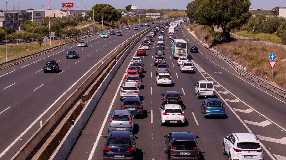 Retenciones el pasado sábado en la autovía A-49 en dirección a Huelva.
