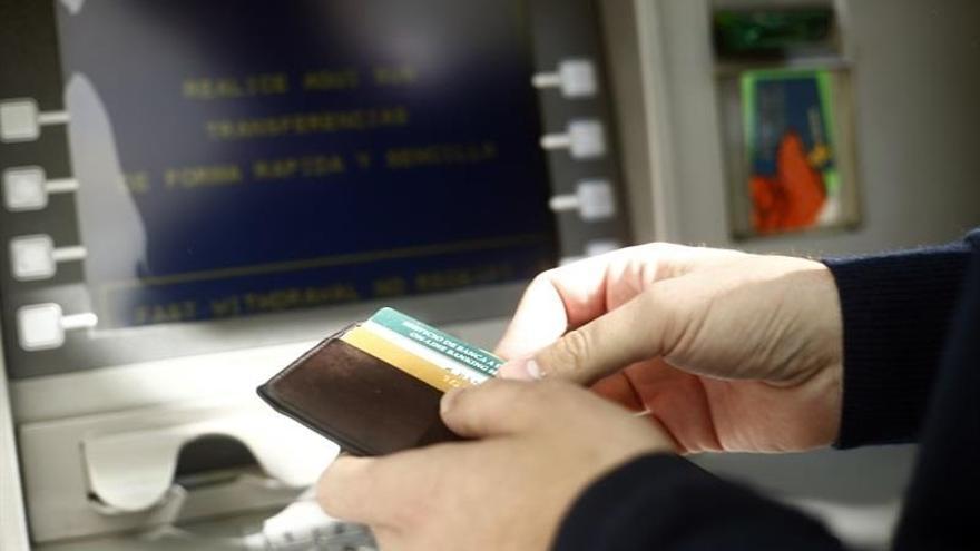 Los pagos con tarjeta aumentarán un 25% este verano