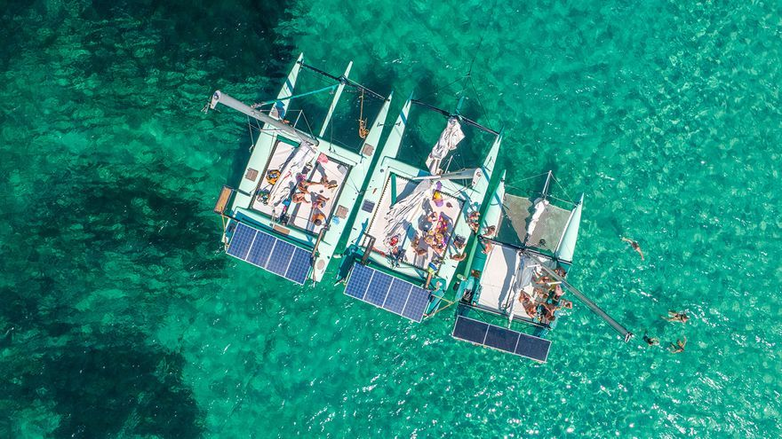 Disfruta las aguas de Ibiza y Formentera con los barcos ecológicos de La Bella Verde