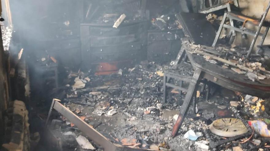 Imágenes del trágico incendio con un matrimonio fallecido en Toro