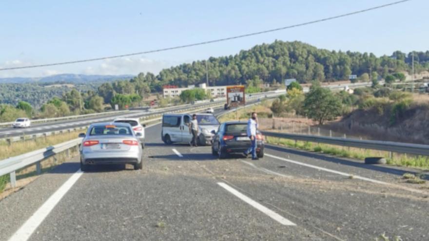 Una furgoneta s'accidenta a la C-16, a Sant Fruitós