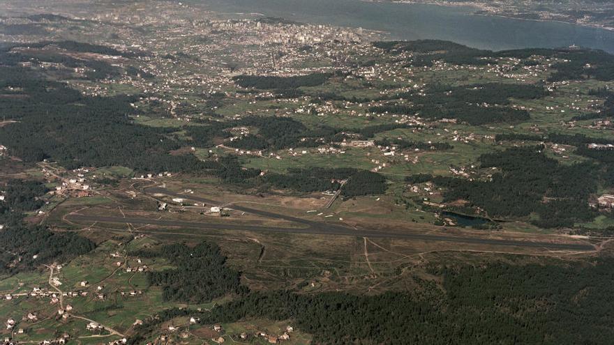 Años 60: Fotografías aéreas del aeropuerto de Vigo