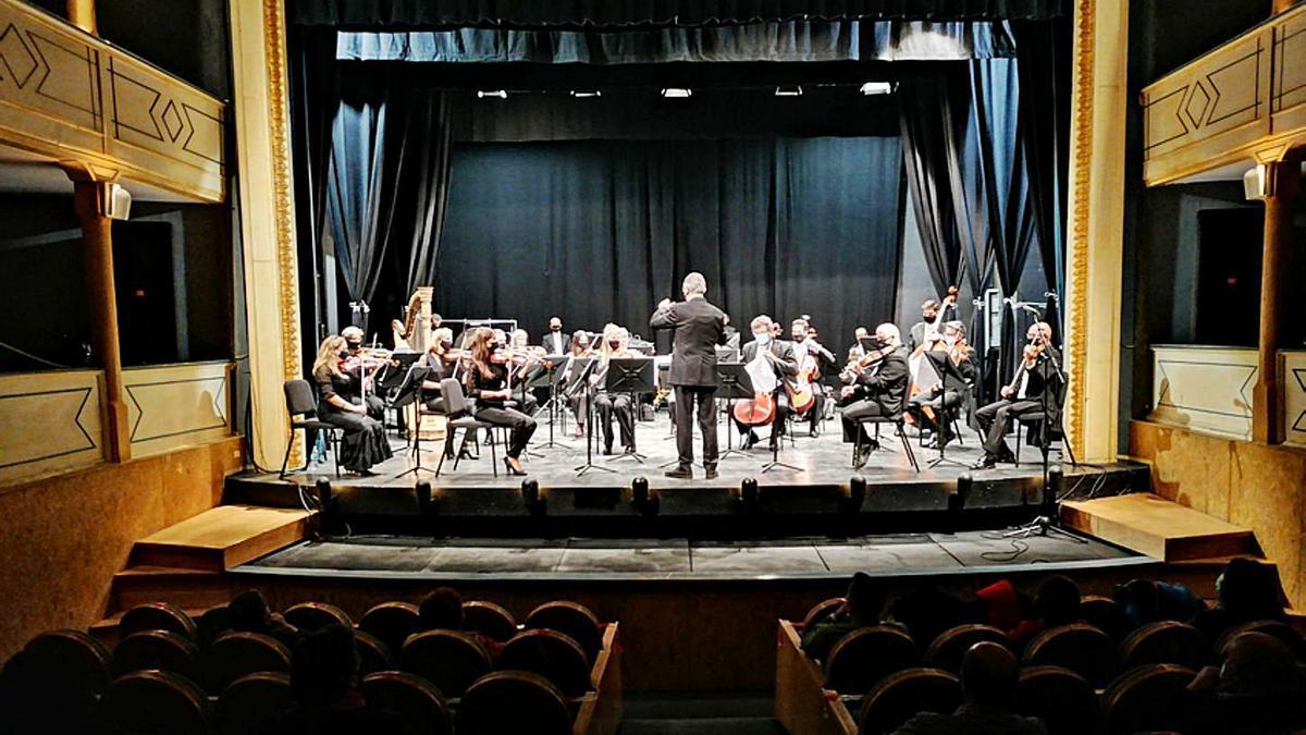 La OSCyL evoca en un concierto a su director emérito, Jesús López Cobos