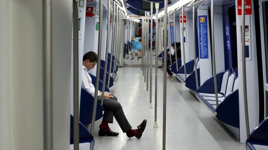 Metro de Madrid estudia los tramos en los que podrán circular trenes sin conductor