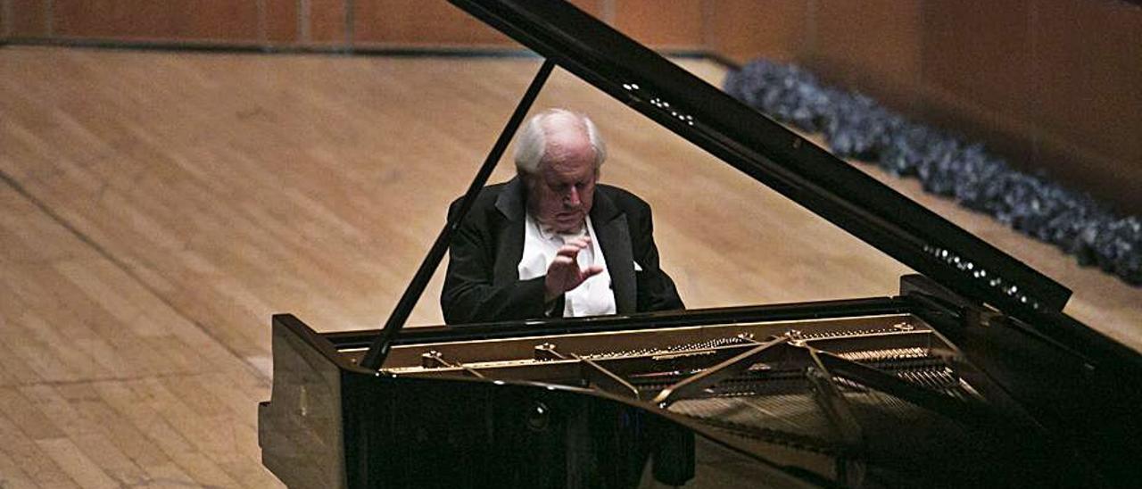 Sokolov, durante un concierto anterior en Oviedo.