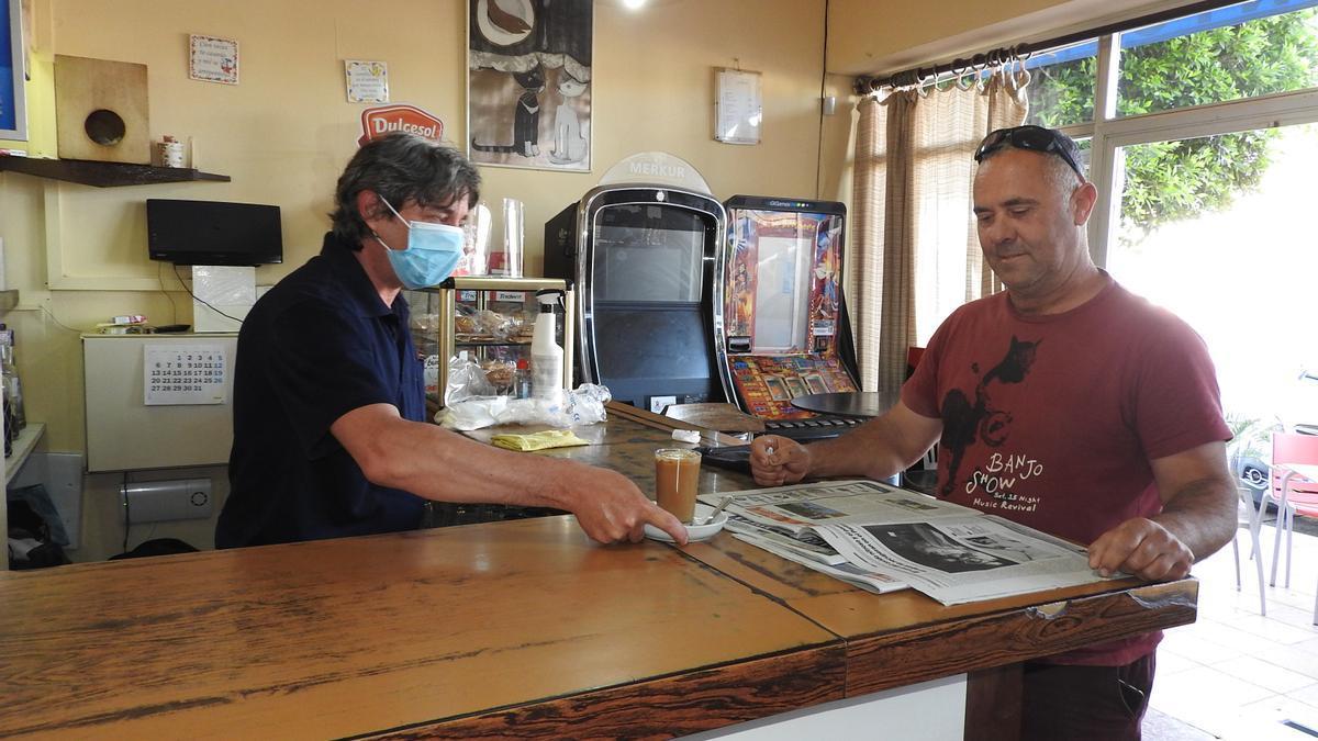 Los clientes podrán consumir en el interior de los bares de Formentera a partir del lunes.