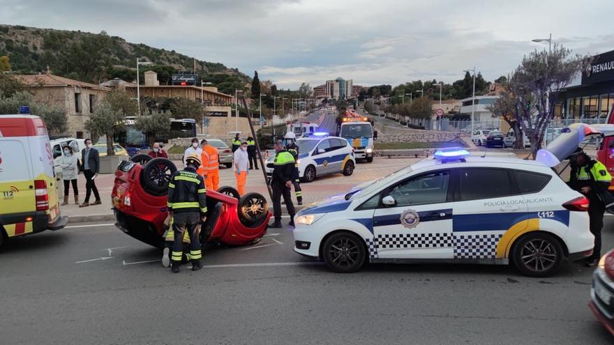 Policía Local y Bomberos atienden cerca de 70.000 emergencias en Alicante en el año de la pandemia