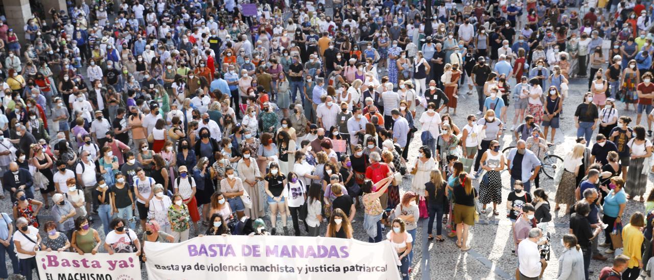 Clamor unánime en Gijón para condenar la supuesta violación denunciada por dos jóvenes