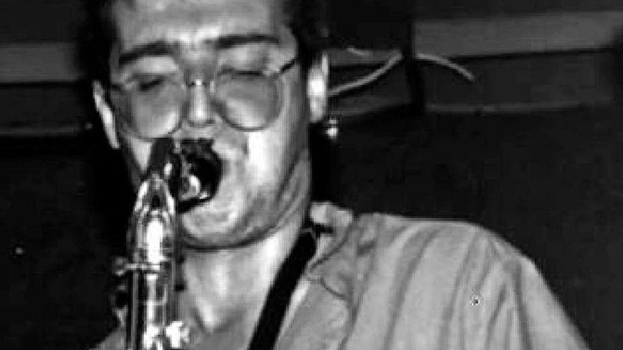 Muere Selu, saxofonista de Extremoduro o Platero y Tú