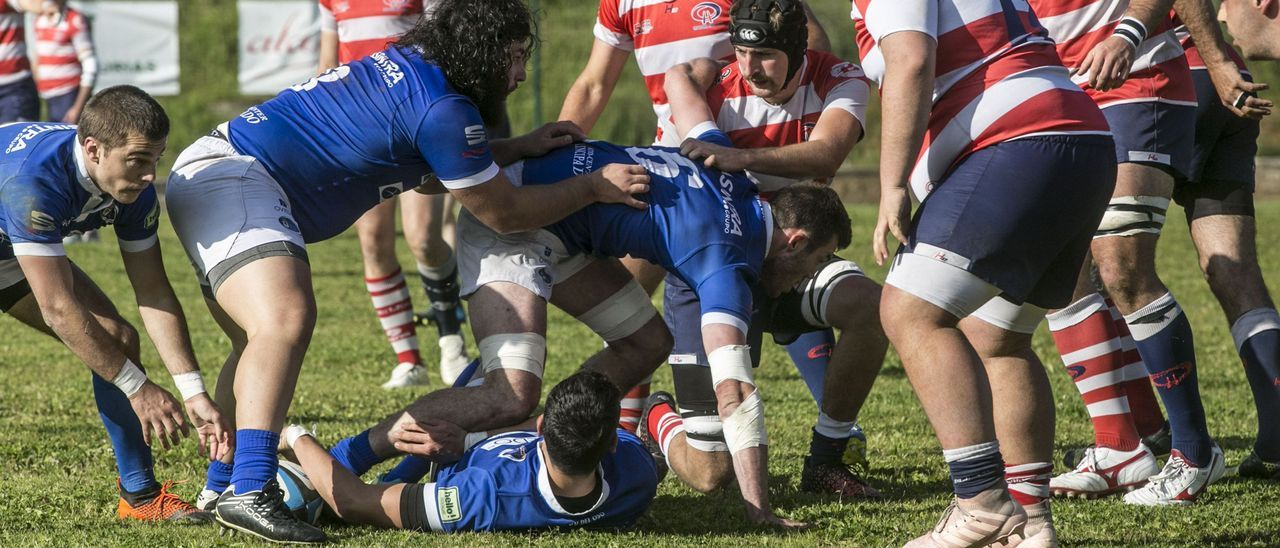 Un partido en el campo del Naranco.