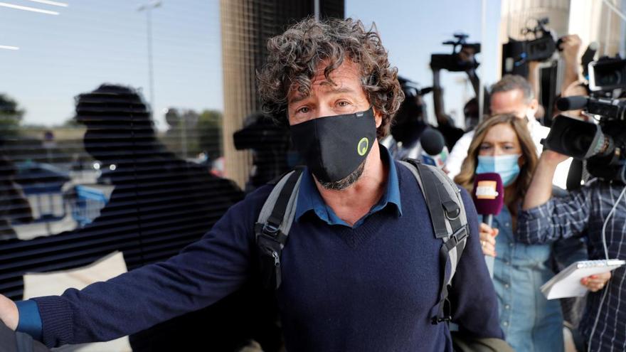 Comienza el juicio por la filiación de los hijos de Miguel Bosé y Nacho Palau
