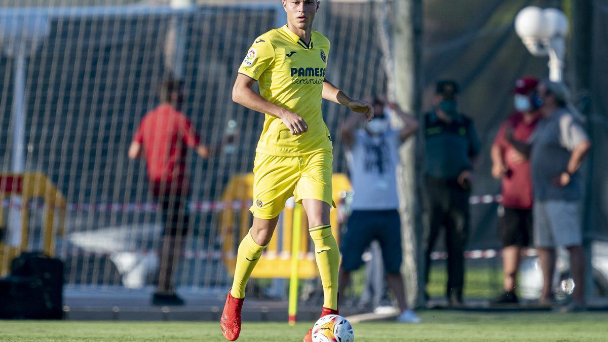 El central Jorge Cuenca debutó con la camiseta del Villarreal en el amistoso del pasado viernes ante el Valencia.