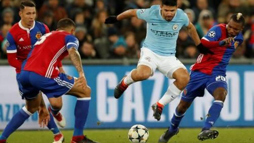 El City, a un pas dels quarts en golejar el Basilea en un partit sense història (0-4)