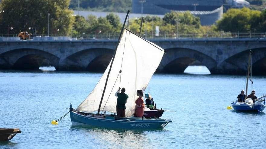 Integrar el renovado puente de O Burgo en la fiesta, reto de la próxima Feira Franca