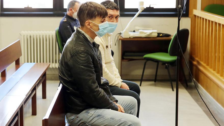 Condenados dos atracadores reincidentes por asaltar una sucursal bancaria en Vigo