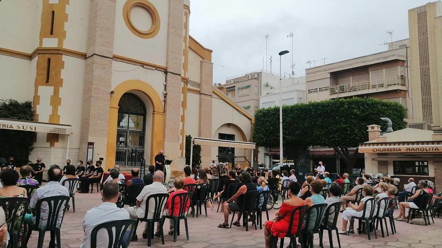 Santa Pola interpreta motetes y el himno a la Virgen como tributo al Maestro Quislant