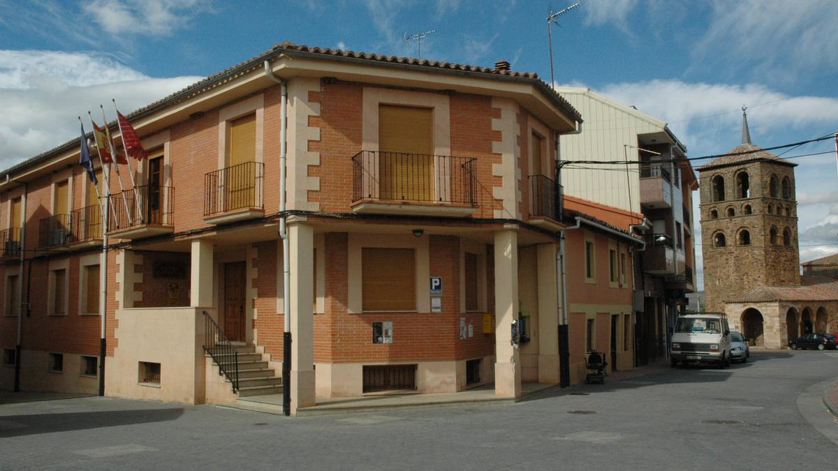 Fachada del Ayuntamiento de Tábara