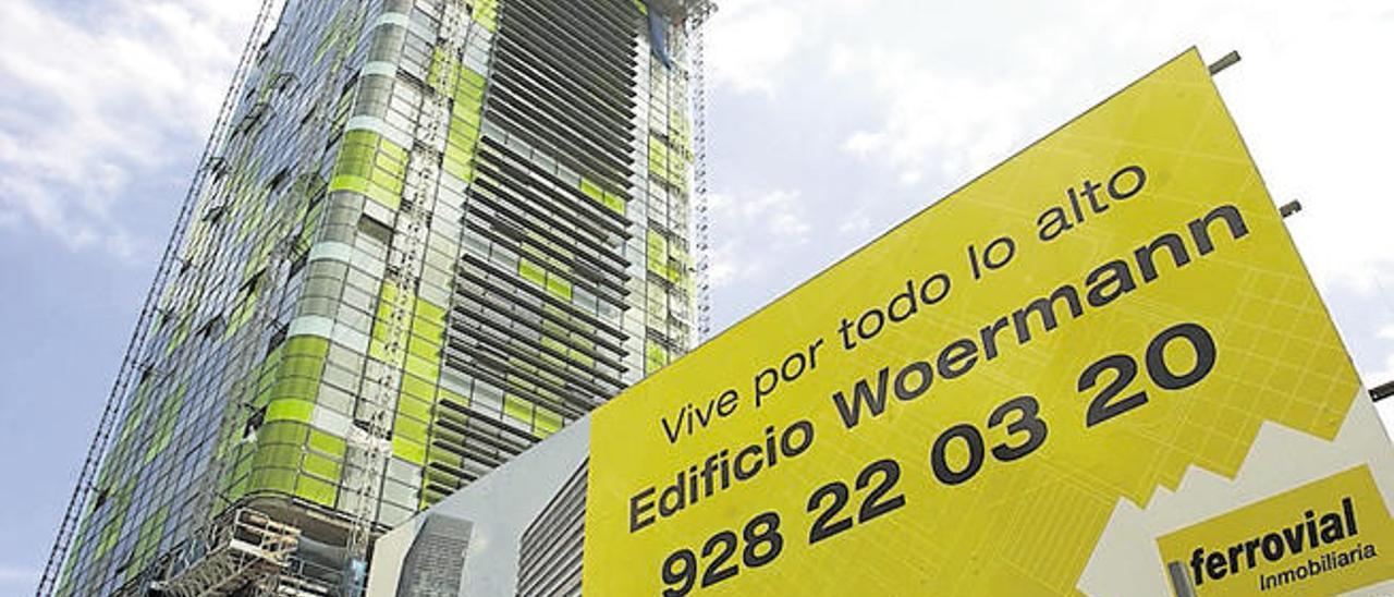Promoción para la venta de oficinas y viviendas en la nueva estructura.