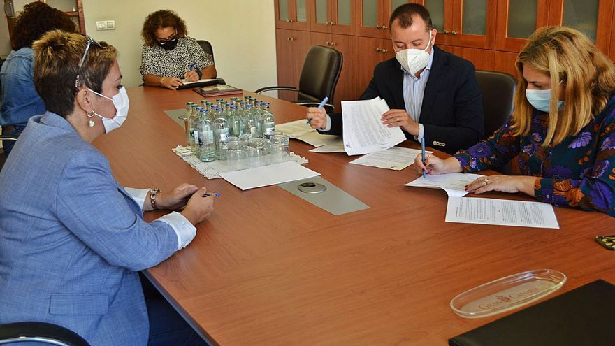 Ingenio y el Cabildo firman la cesión de los terrenos para la futura residencia