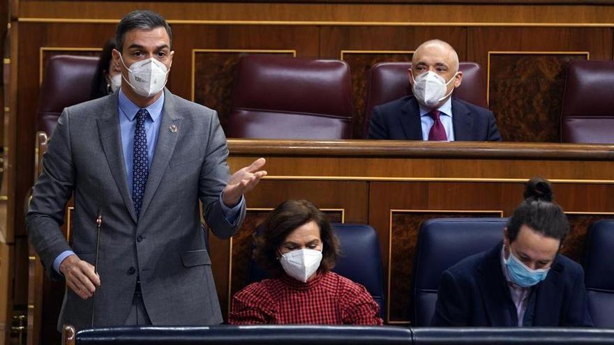 Sánchez apuesta por un Govern de PSC y comunes a pesar de que la suma no da