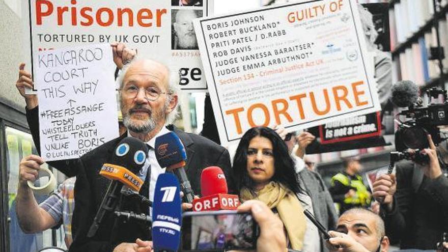 Reanudado el juicio de Assange sobre su extradición a EEUU