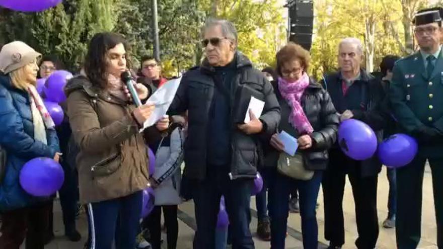 """""""Si no actuamos, somos cómplices necesarios de esta barbarie"""", dice la madre de Leticia Rosino durante el acto contra la violencia de género"""