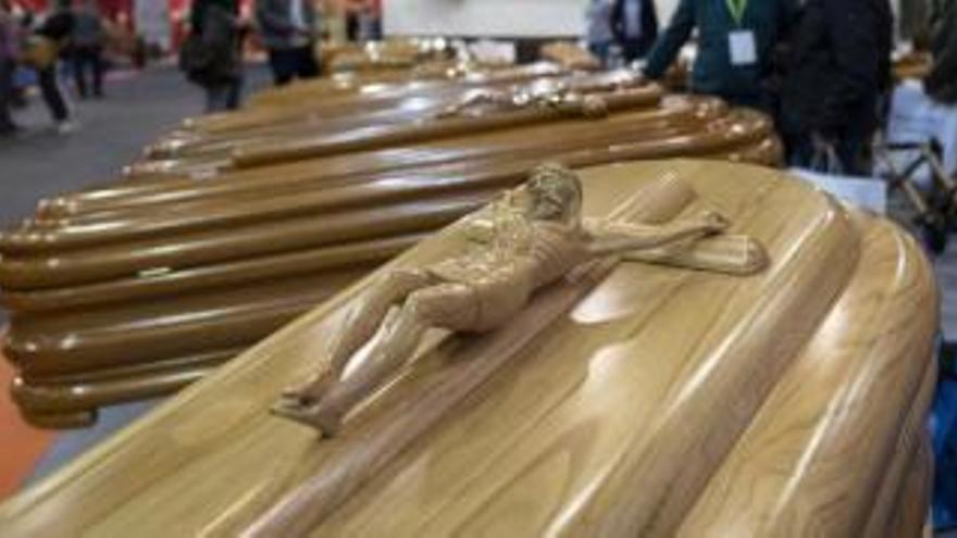 Una funeraria confunde dos cadáveres y envía a un ovetense a Valladolid