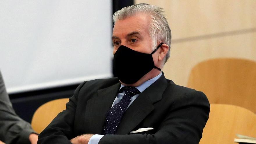 Bárcenas declara al jutge que va lliurar 60.000 euros d'un constructor a Esperanza Aguirre