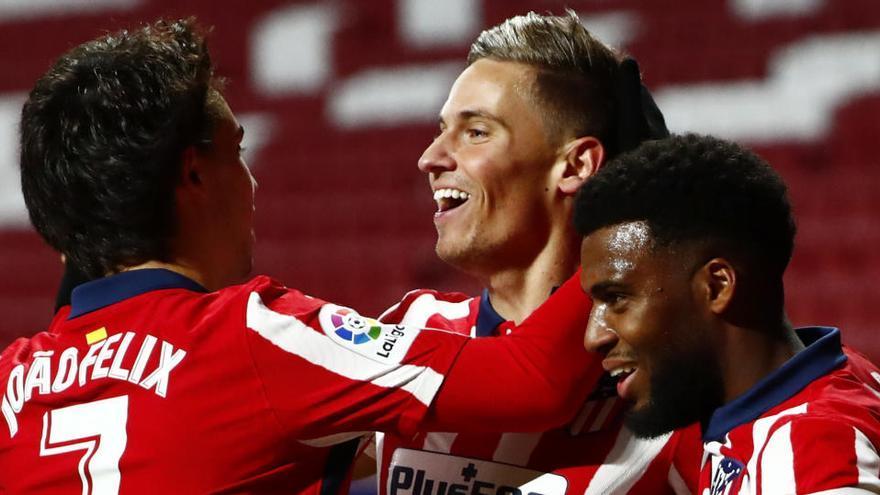 Llorente impulsa al Atlético ante el Valladolid