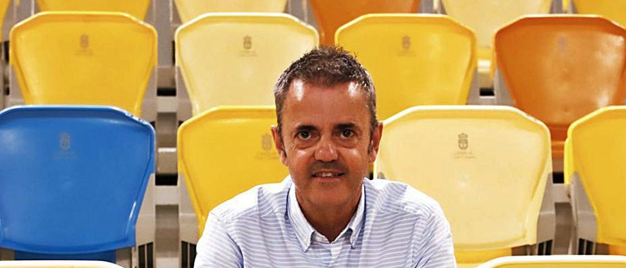 Porfirio Fisac, en la zona de butacas del Gran Canaria Arena. |