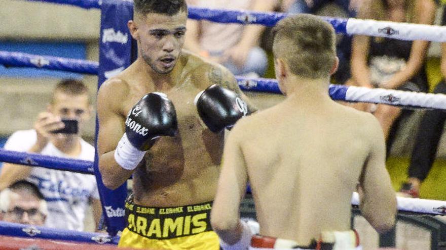 Aramis Torres, a dejar el cinturón en casa