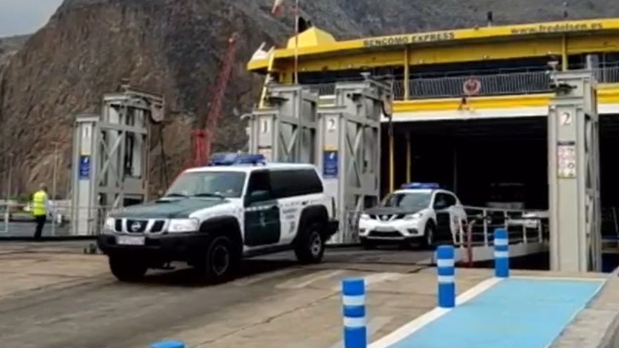 Llegada de agentes de Guardia Civil a La Palma